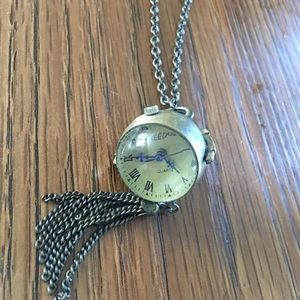 Jewelry - Brassy long necklace with watch pendant